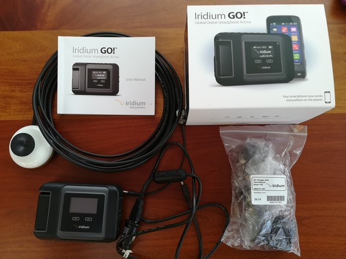 IRIDIUM GO and Glass Mount Antenna